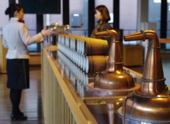 【ウイスキー買取】人気の限定品  サントリーウイスキー山崎蒸溜場樽出 原酒8年・10年を高価買取。 / お酒買取実績紹介! 4