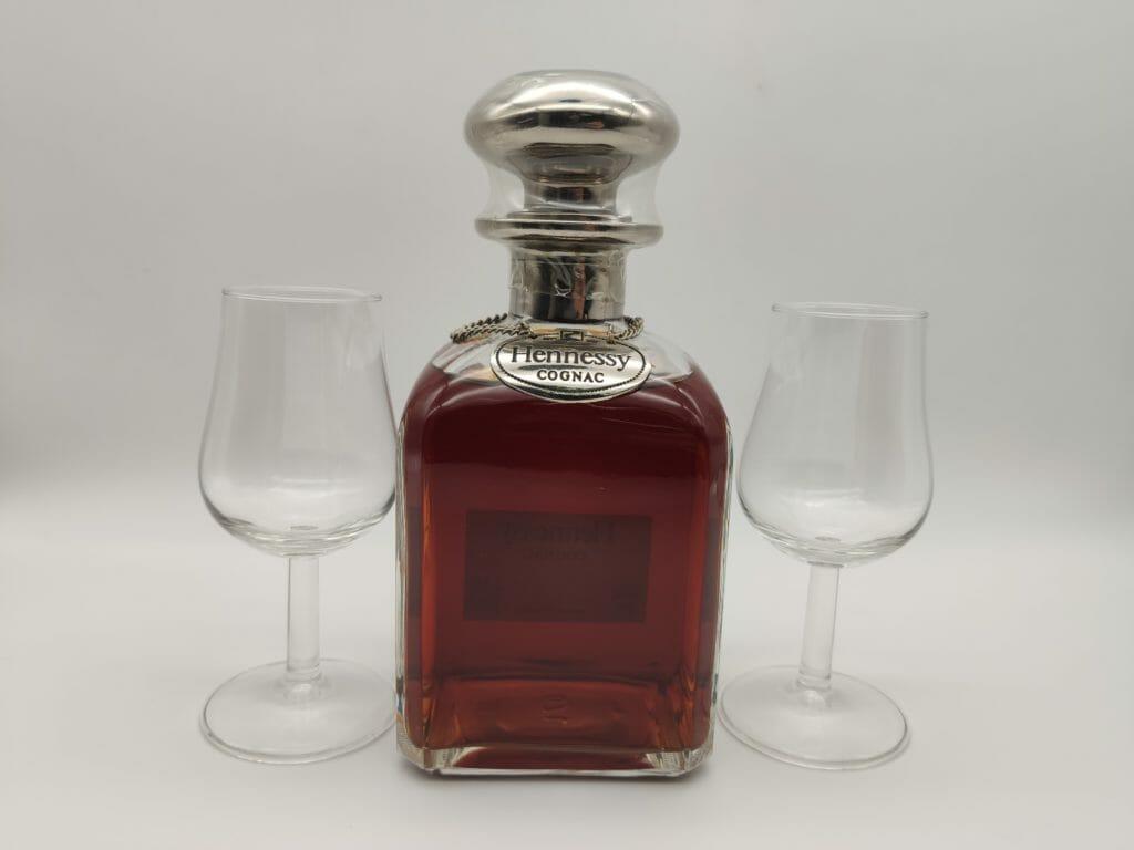 【ブランデー・コニャック買取】『ヘネシー ナポレオンシルバートップ グラス付き』を高価買取しました。 / お酒買取実績紹介! 1