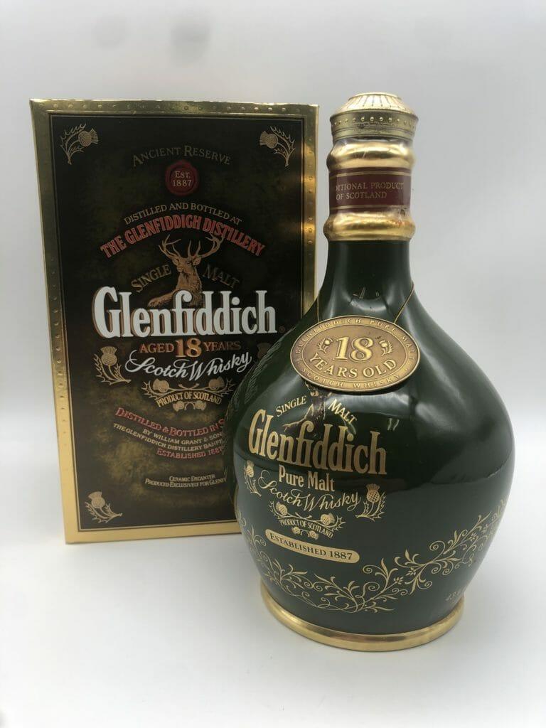 【ウイスキー買取】世界初のシングルモルトウイスキー銘柄のレアな陶器ボトル『グレンフィディック18年』を買取いたしました。お酒買取実績紹介! 4