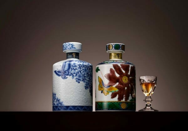 【ウイスキー買取】サントリーウイスキー響21年 九谷焼色絵霞鶴文下蕪形瓶を高価買取させていただきました。お酒買取実績紹介! 4